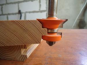 Фрезерование дерева ручным фрезером видео