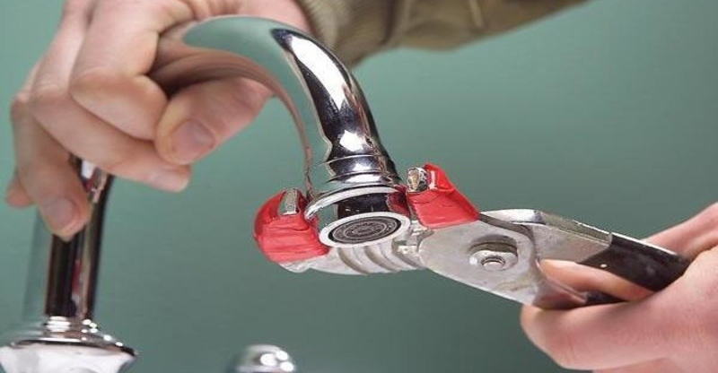 Как отремонтировать протекающий кран?
